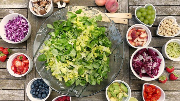 【集中力を維持する食事法】午後のウトウトを回避するための食事のルール